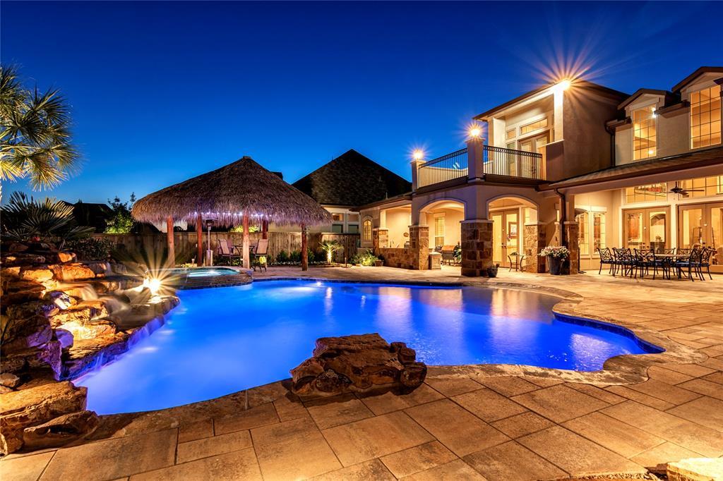 147 Oak Estates Drive, Conroe, TX 77384