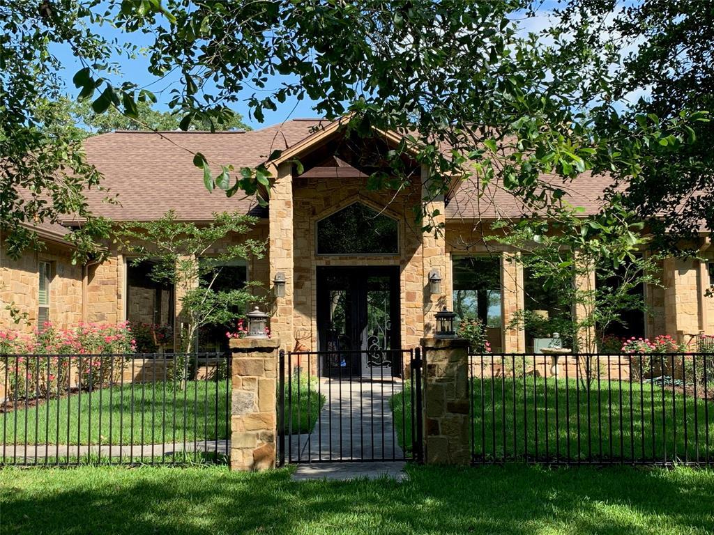 3064 County Road 401, Edna, TX 77957