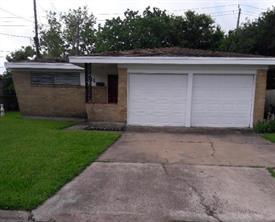 11 Manor Way, Galveston, TX 77550