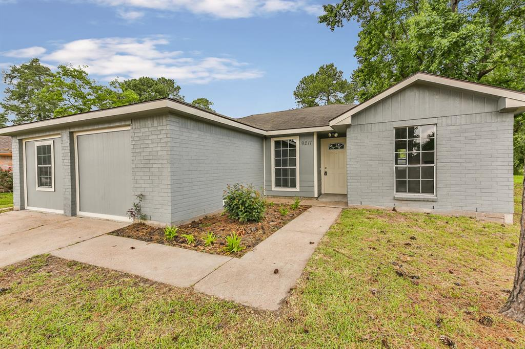 9211 Kerry Glen Circle, Houston, TX 77078