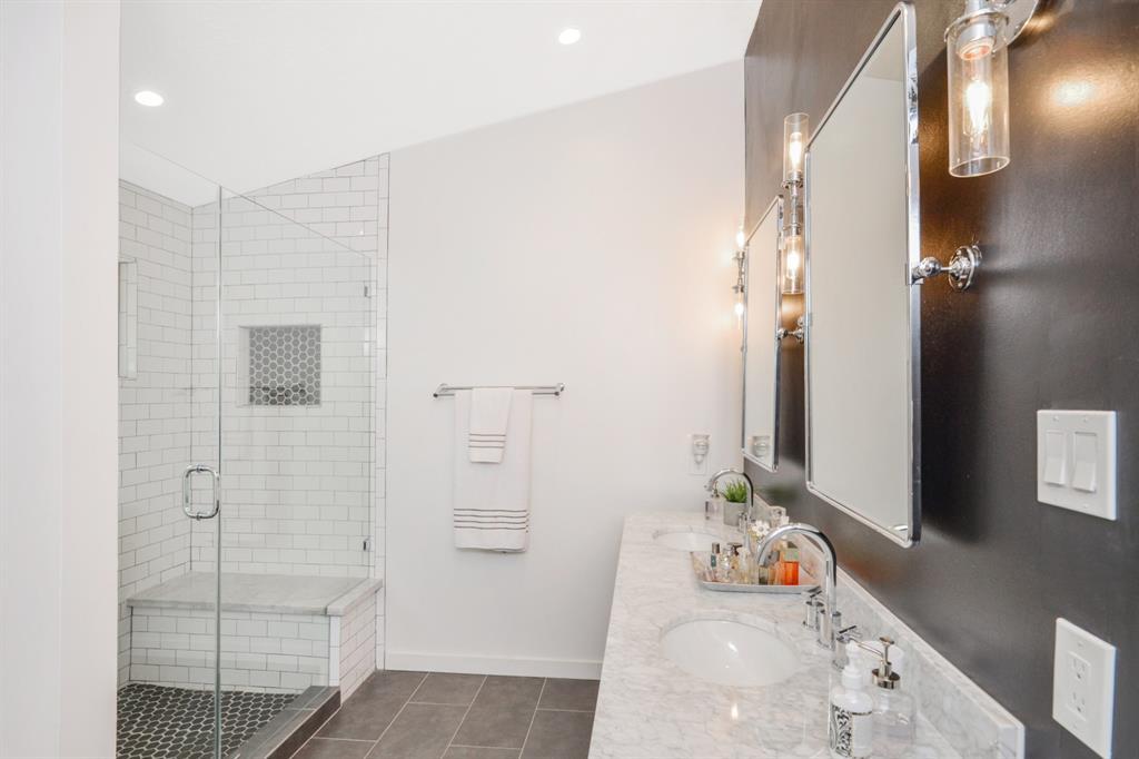Sold 8214 Clover Gardens Drive Houston Tx 77095 5 Beds 2 Full Baths 1 Half Bath 250000