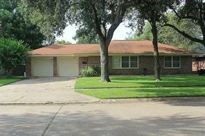 504 22nd Avenue N, Texas City, TX 77590