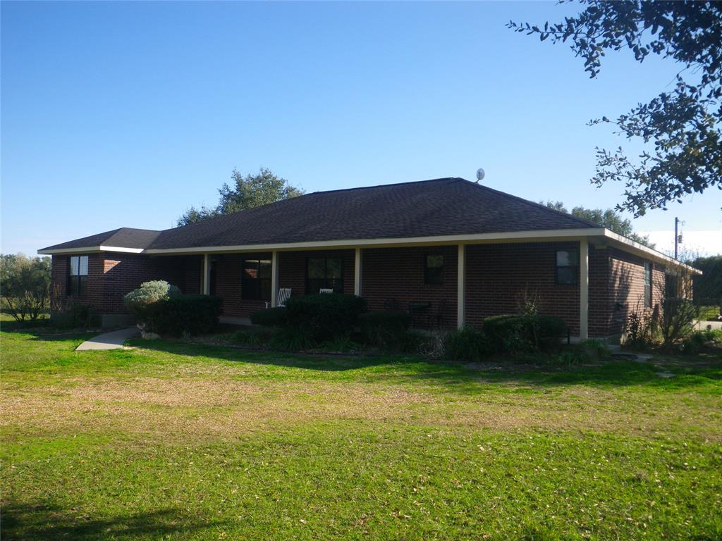 1176 County Road 160, Rock Island, TX 77470