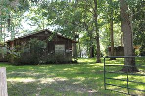 909 County Road 2859, Cleveland, TX 77327