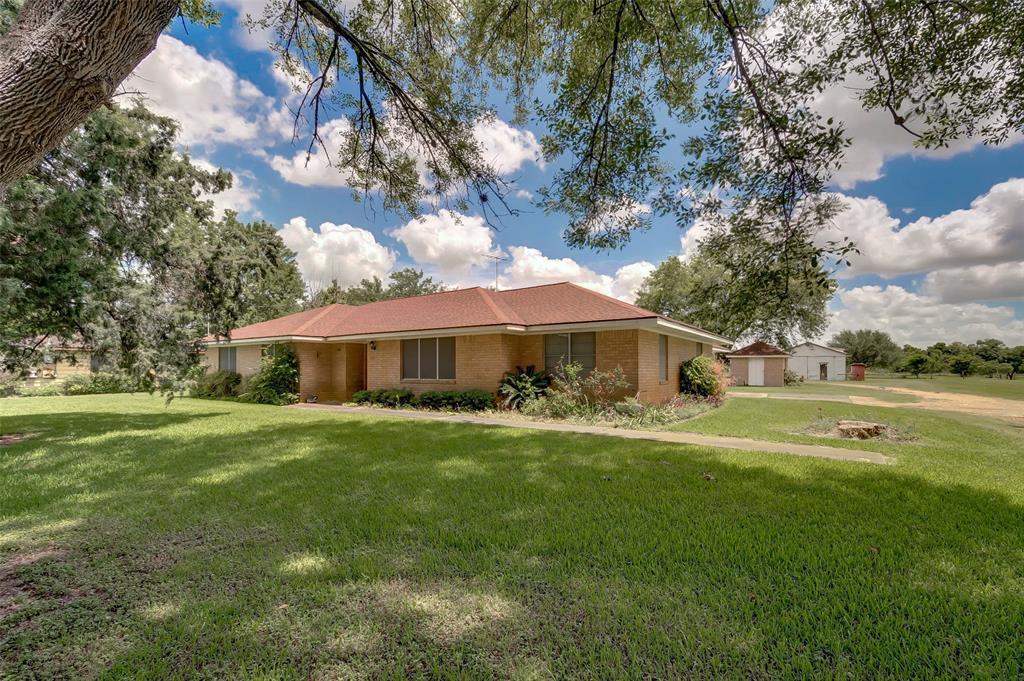219 S 1st Street, Beasley, TX 77417