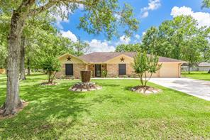 223 County Road 193, Alvin, TX 77511