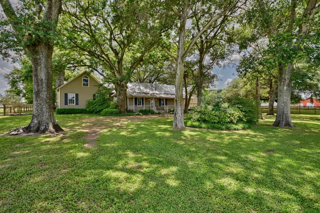 2230 Peters San Felipe Road, Sealy, TX 77474