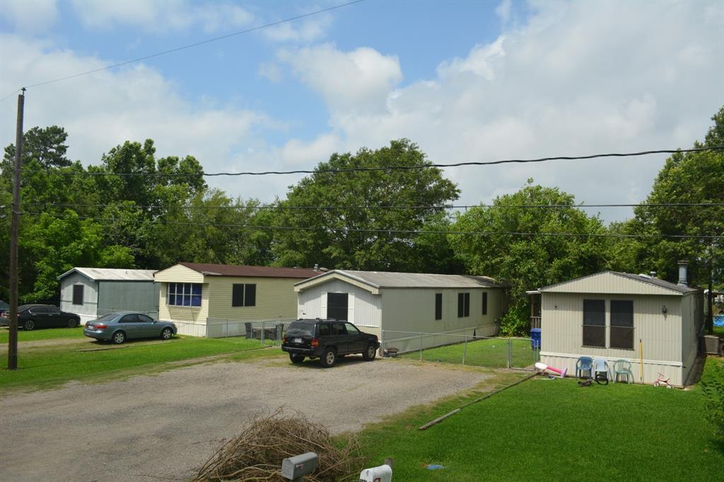 106 Gossett Street, Highlands, TX 77562