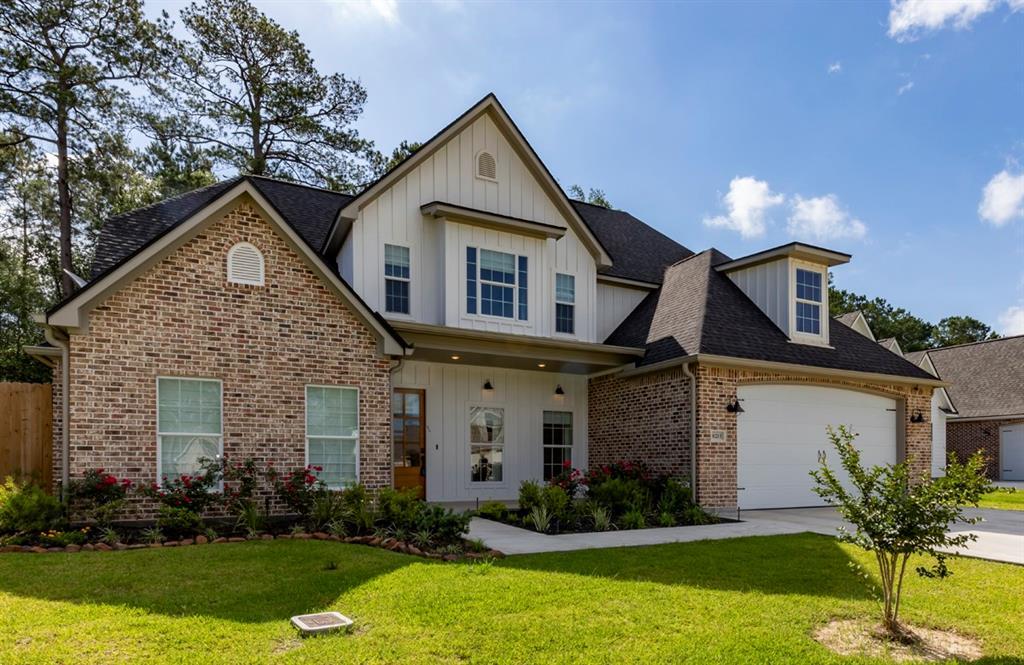 8215 Royal Oaks Drive, Lumberton, TX 77657