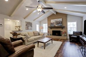 10814 Holly Springs