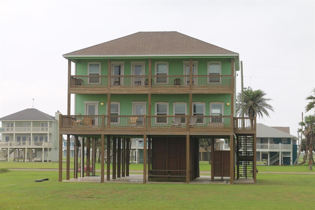 3180 Gulf Castle Drive, Crystal Beach, TX 77650