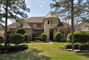 30 N Seasons Trace, The Woodlands, TX 77382