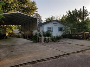 8997 Gladewood Street, Willis, TX 77318