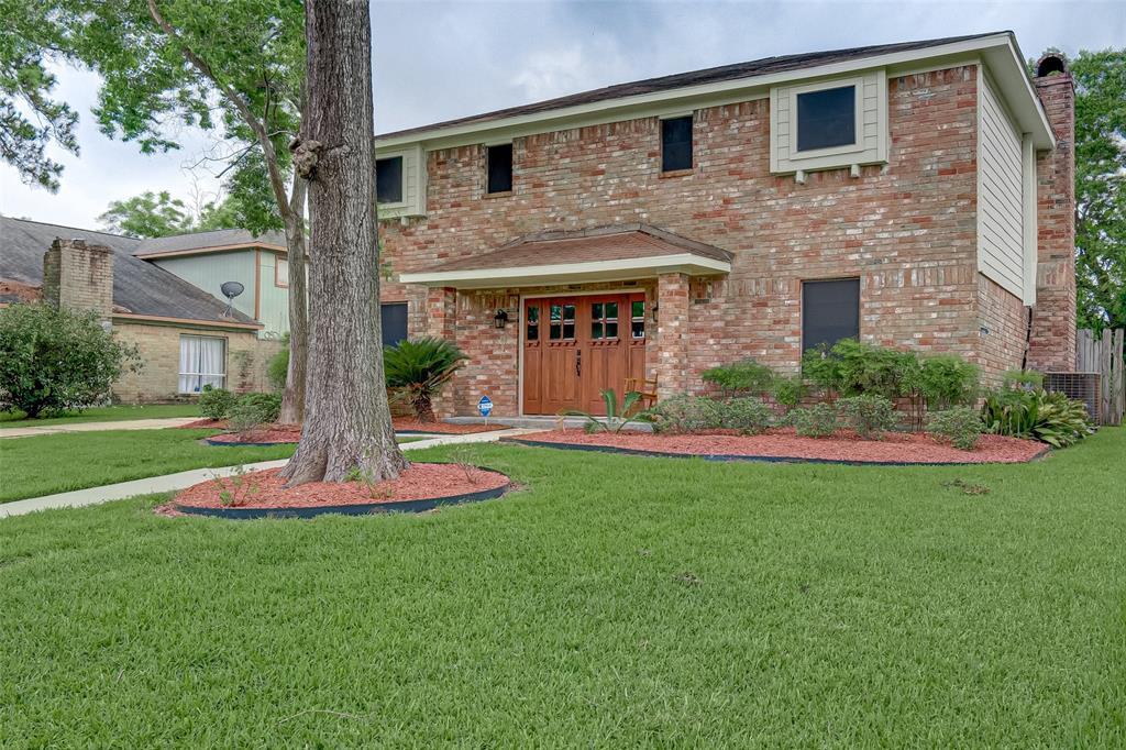230 Holyhead Drive, Houston, TX 77015