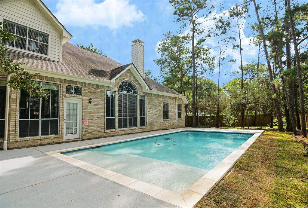 """**NEW POOL!** Absolutely Gorgeous Weekley Built """"Riverchase"""" on Oversized Cul-de-Sac Lot! Sought-After 5/6 Bedroom, 4.5 Bath Design! Loaded with Updates! Unbelievable Island Kitchen - Recent Stainless Appliances + Granite Counters + 42"""" Cabinetry (All Redone in 2018)! Big Walk-In Pantry! High Ceiling Family Room - Built-Ins + Majestic Gas Fireplace + Recent Laminate Flooring (2018)! First Floor Master Suite with Second Fireplace + Whirlpool Garden Bath with Walk-In Closet! Beautiful Formals - AND Study/6th Bedroom with French Doors + Crown Millwork! Large Gameroom/Media Room! Guest Suite/Second Master with En-Suite Bath Up! Recent Second Floor Carpet (2018)! Automatic Sprinkler System! Updated Garage Door Openers + Toilets + Bathroom Mirrors + Interior & Exterior Paint + Gutters + A/C Units + Fence++! INCREDIBLE NEW POOL - JUST IN TIME FOR SUMMER! MUST SEE!"""