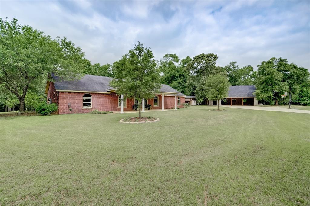 300 S Fm 945 Road, Coldspring, TX 77331