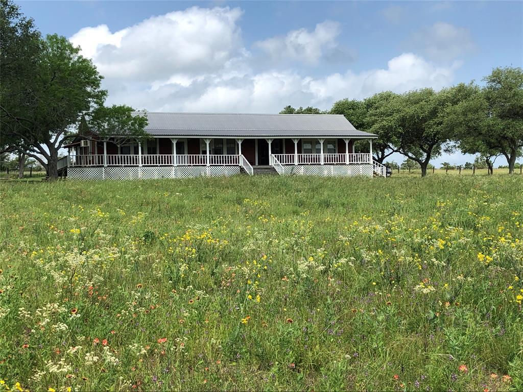 721 County Road 229, Schulenburg, TX 78956