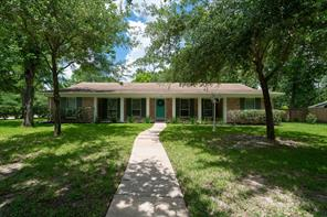 104 royal court, friendswood, TX 77546