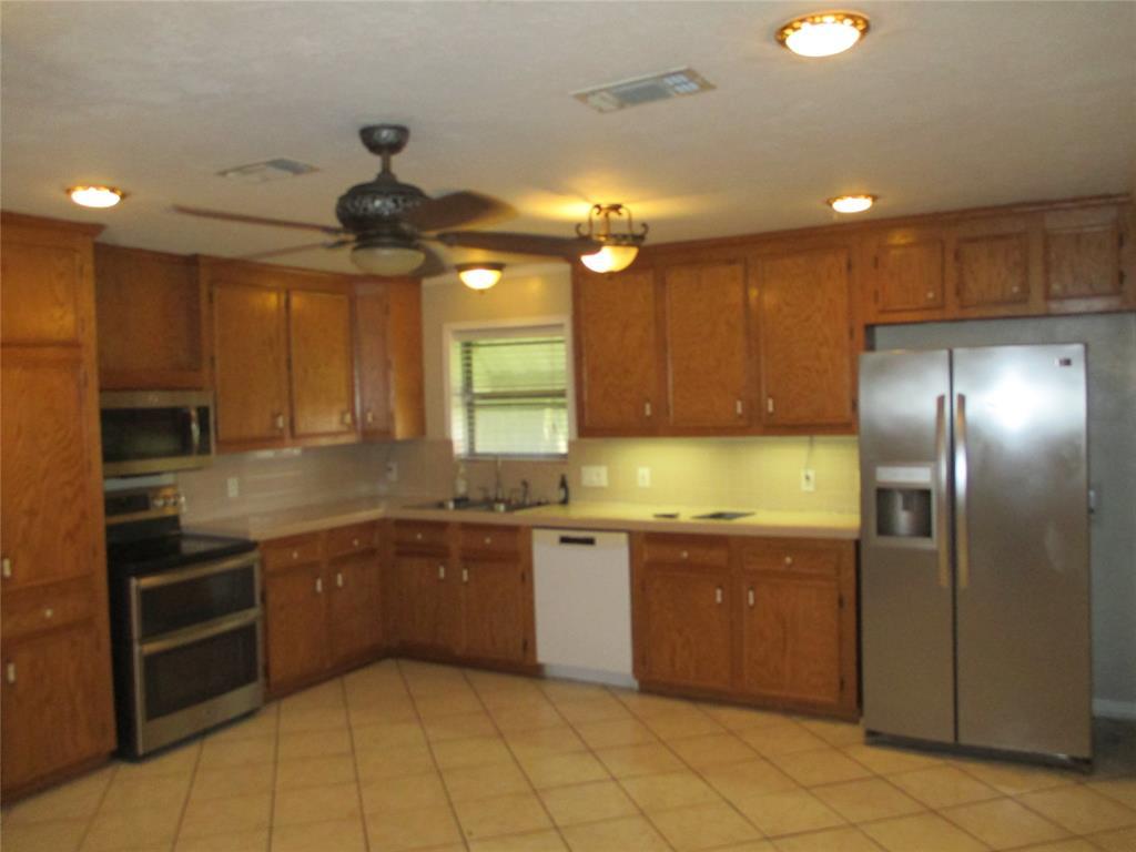 4302 W Grant Street, Deer Park, TX 77536
