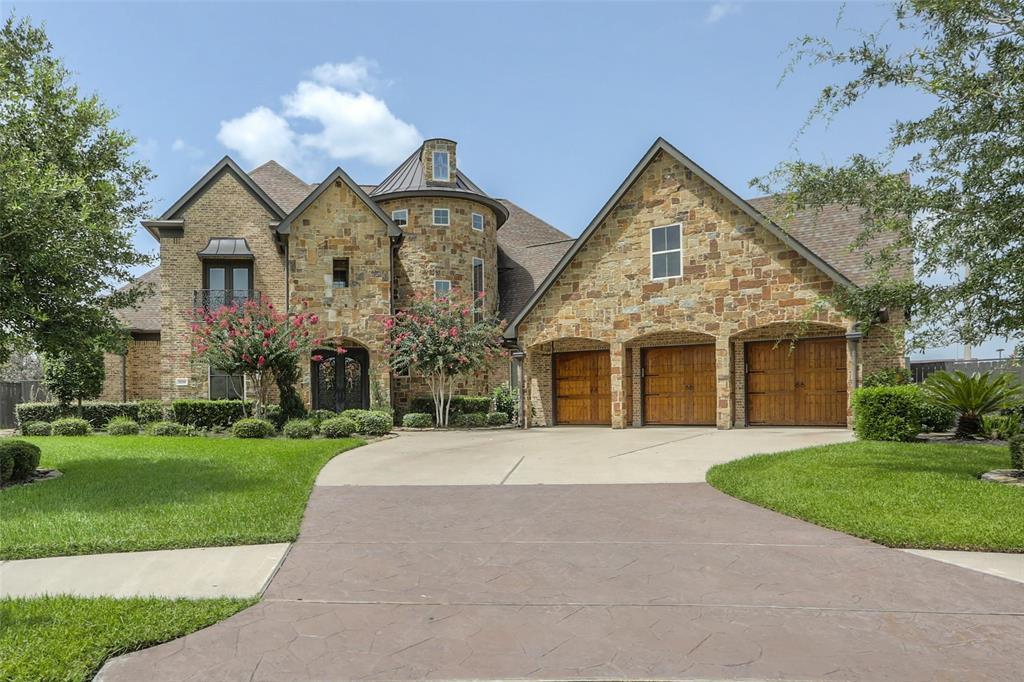 1709 Hunters Cove, Friendswood, TX 77546