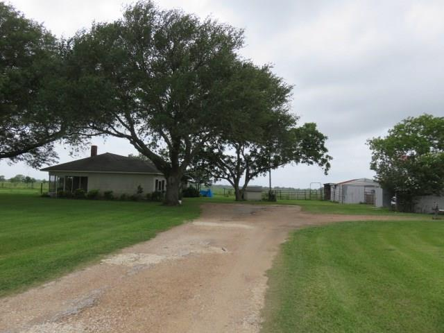 1679 Fm 1160 Road, Louise, TX 77455
