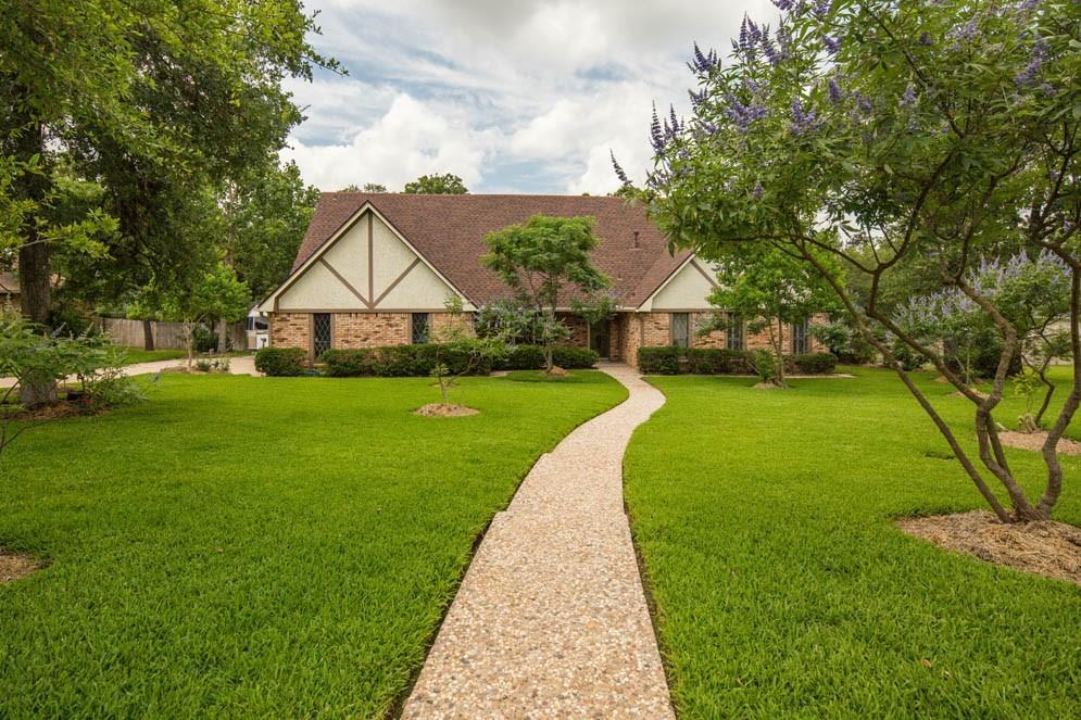 4022 Green Valley Drive, Bryan, TX 77802