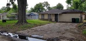 4910 bataan road, houston, TX 77033