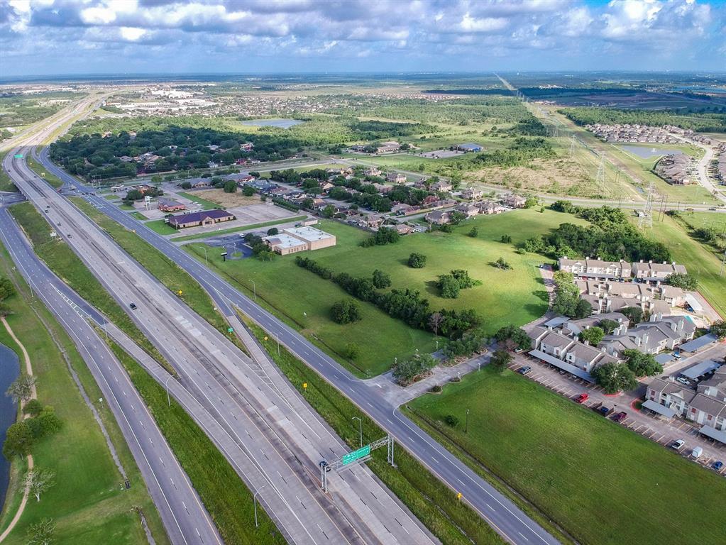 7720 Emmett F Lowry Expressway, Texas City, TX 77591