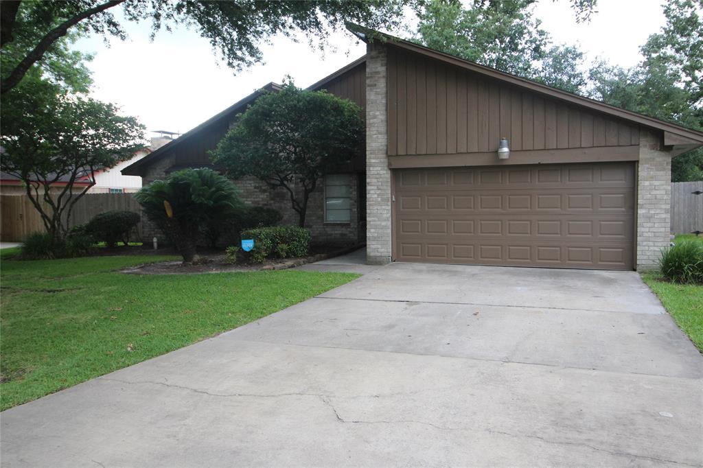9810 Bayou Woods Drive, Baytown, TX 77521
