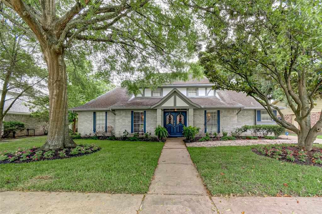 9007 Petersham Drive, Houston, TX 77031