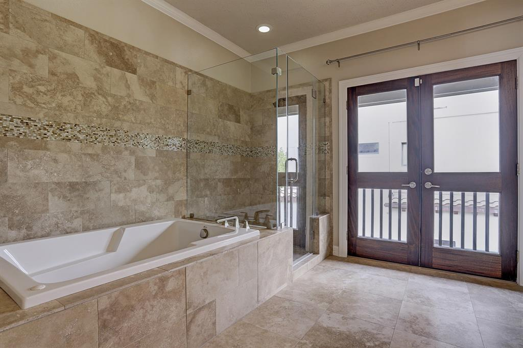 Walk in shower and large tub