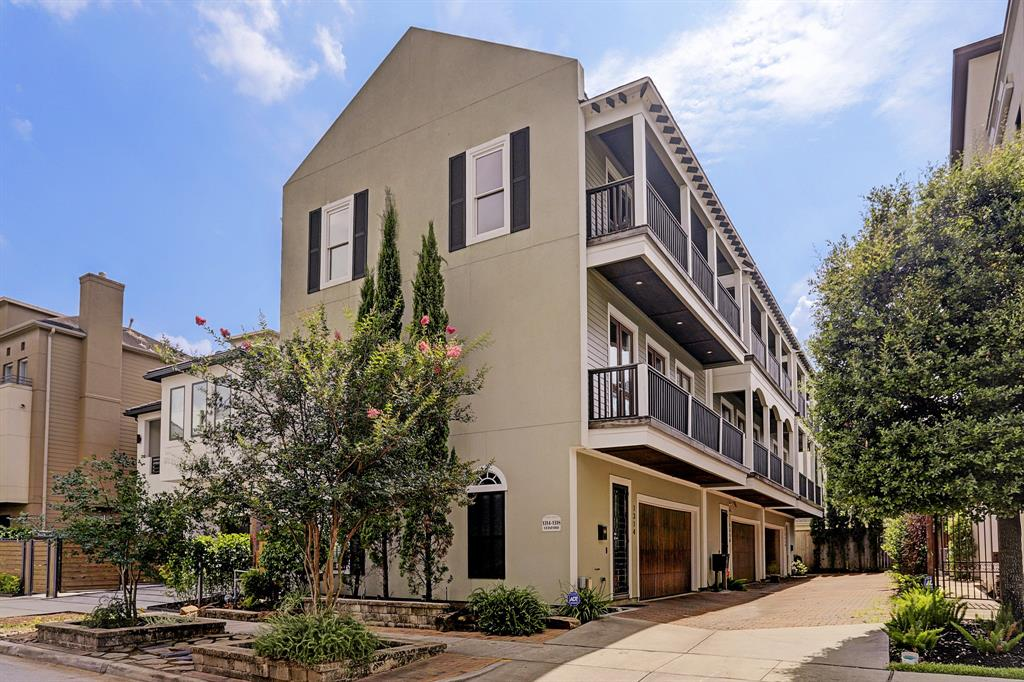 Desirable corner unit off Stanford Street in the heart of Montrose. The front area from the townhome to street is owned by this unit