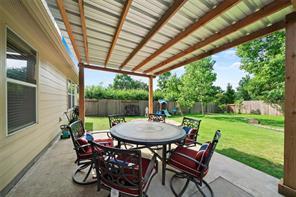 1744 Round Oak Lane, Conroe, TX 77304