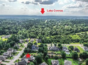 Home is located less than 4 miles from Lake Conroe! This is truly a great place to live!