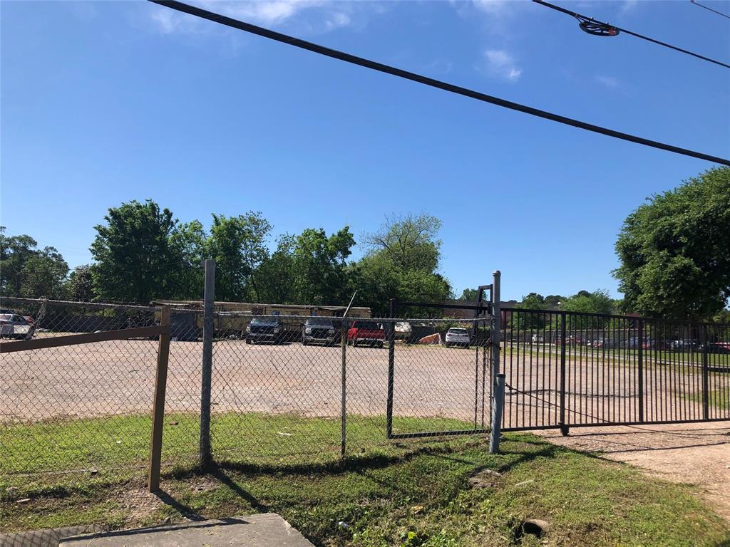 12730 Wallisville Road, Houston, TX 77013