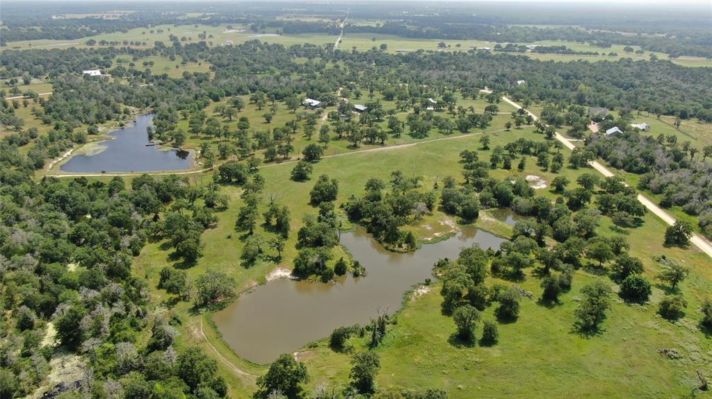 11022 Wildlife Circle, Carmine, TX 78932
