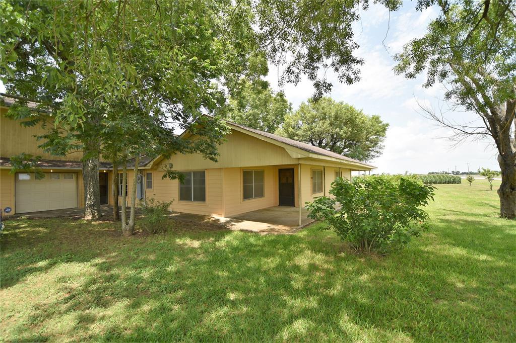 715 Fm 1952, East Bernard, TX 77435