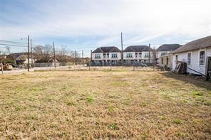 711 Meadow, Houston, TX, 77020