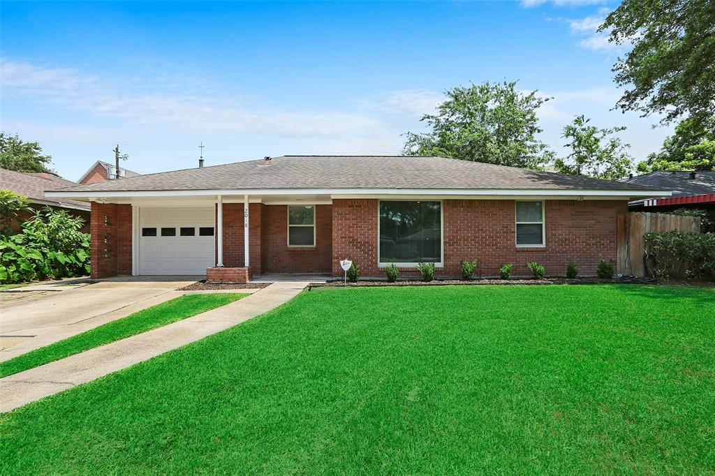 Highly desireable, 3 bedroom, 2 full bath property with garage in Oak Forest Section 14! Extra/flex room could be a 4th bedroom, a study or whatever you want. Wood floors, fresh paint and updates galore make this a must-see property!