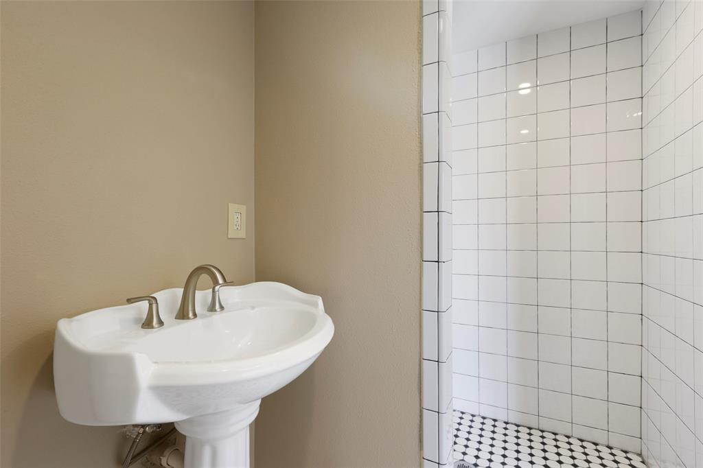Make this stylish bathroom your own .change paint colors, accessories and dcor. Or keep it as it is now. It's elegant and pleasing to the eye.