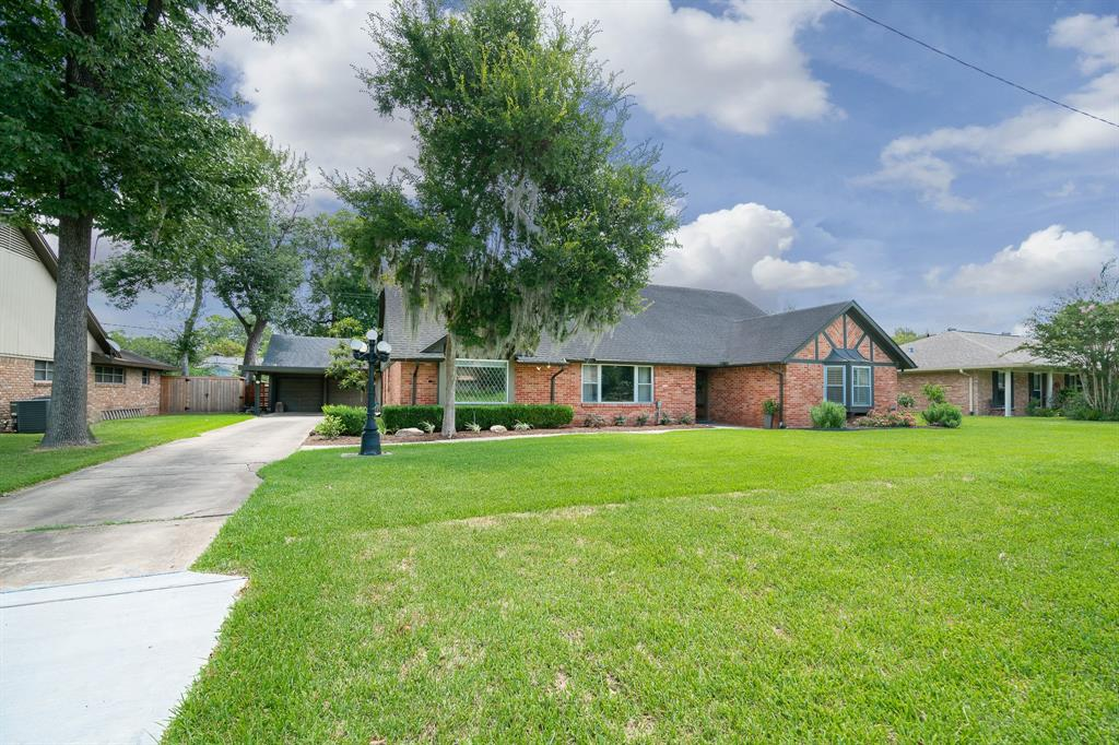 8015 Colgate Street, Houston, TX 77061