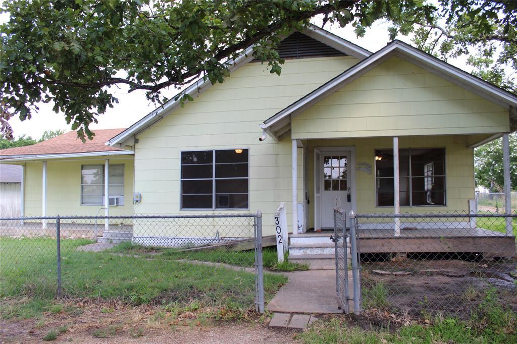 302 Southern Oaks Drive, Somerville, TX 77879