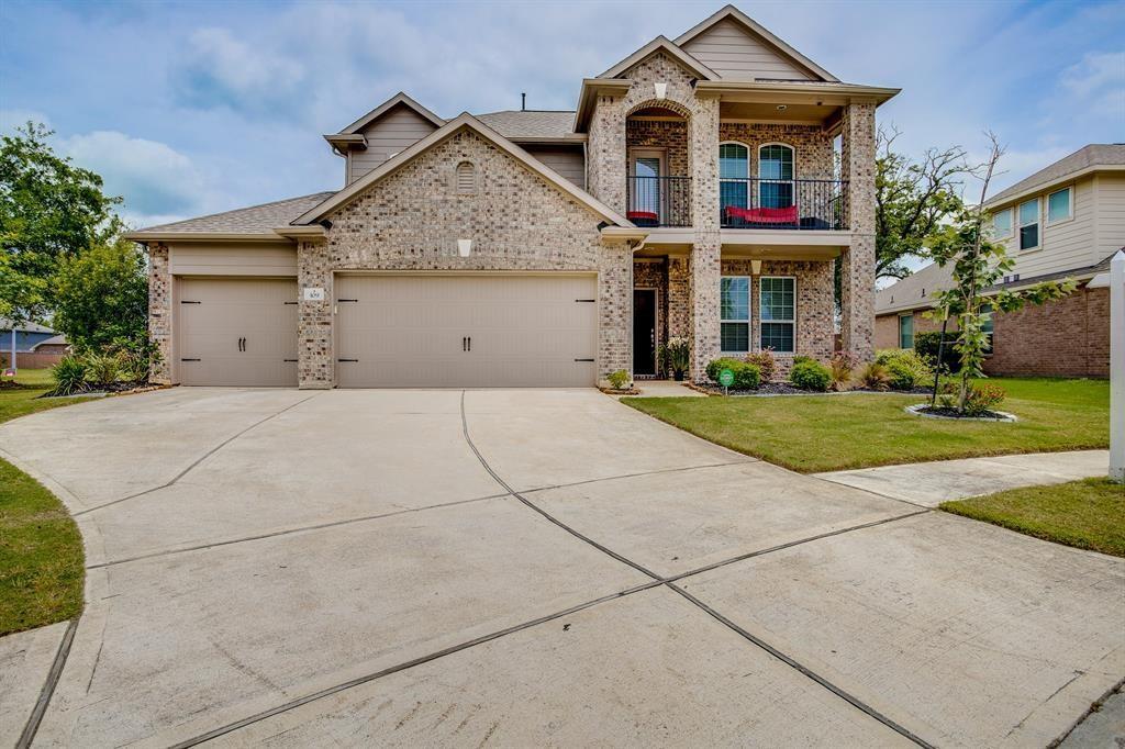109 Long Meadow Court, Clute, TX 77531