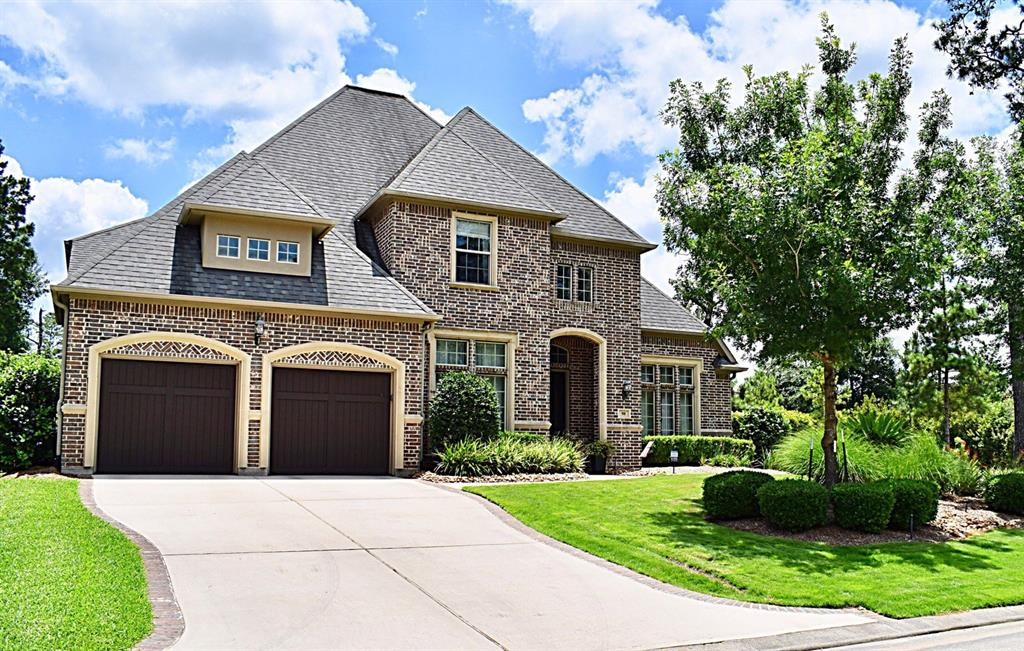 98 E Cove View Trail, The Woodlands, TX 77389