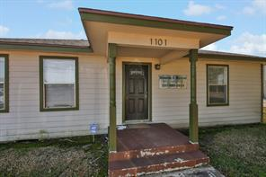 1101 W South Street, Alvin, TX 77511