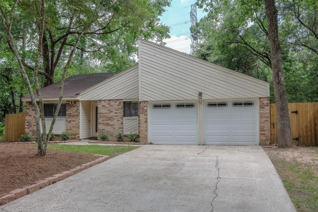 BEAUTIFUL, Never Flooded, single story split floor plan home w/high ceilings upgraded to included wide plank hand scrape hard wood floor, pattern carpet, designer paint color and granite counter tops through out. Huge pool size backyard that backs to greenbelt, situated on a  cul-de-sac with park like setting.  Conveniently located in The Woodlands just minutes from I-45, The Hardy Toll Rd, Market Street, the Mall and The Woodlands Waterway.