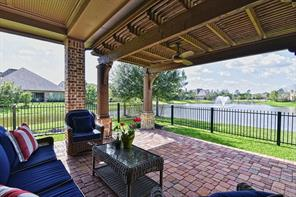 22 Crystal Canyon Place, The Woodlands, TX 77389