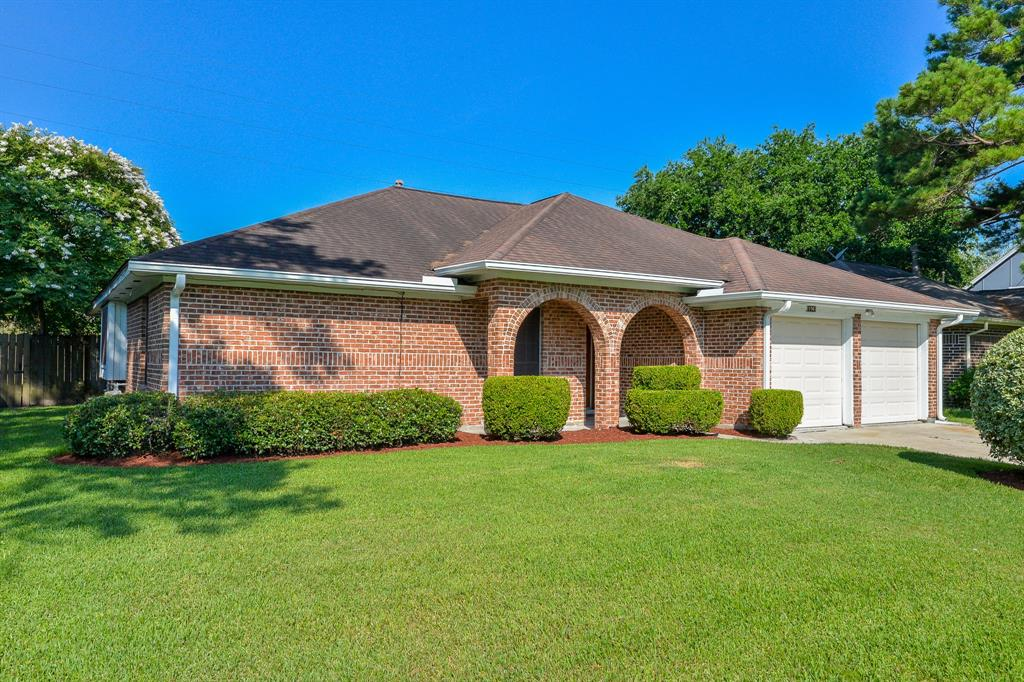 11947 Guadalupe River Drive, Houston, TX 77067