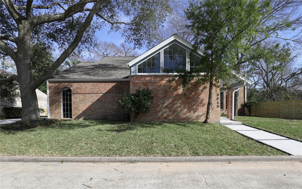 9315 Bonhomme Road, Houston, TX 77074