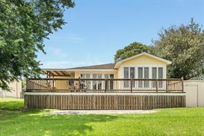 526 County Road 730, Liverpool, TX 77577